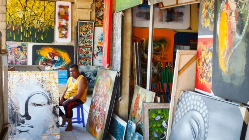 Menemukan seni yang berharga di tengah kesibukan komersial Bali